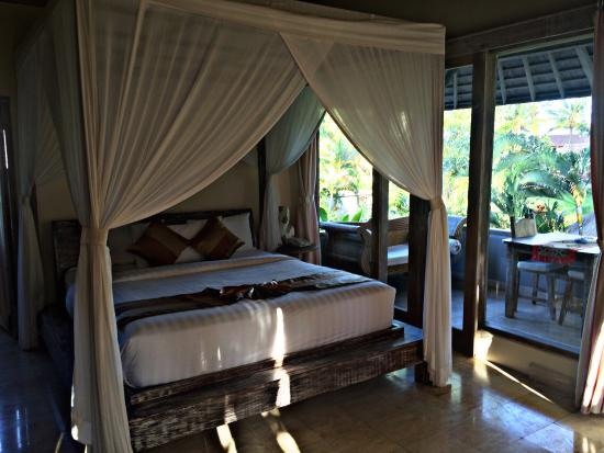 Royal Villa Jepun: Great Room, Clean and Outlook Very Peaceful.