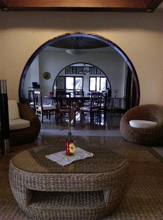 The Manor at Puerto Galera: IMAG3006_large.jpg