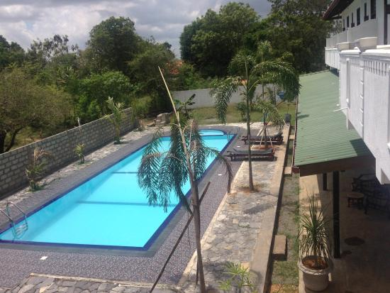 Saman Resort
