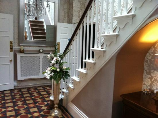 Congleton, UK: Hall with staircase