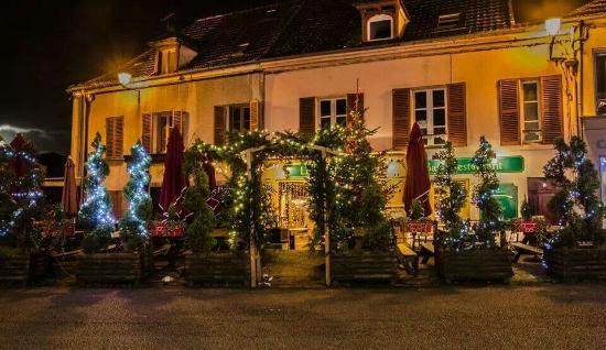 Dampierre-en-Yvelines, Francia: FB_IMG_1449922843265_large.jpg