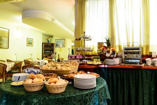 Hotel Villa Adriana: breakfast