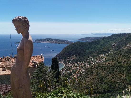Nice view and cute statues - Picture of Le Jardin exotique d\'Eze ...