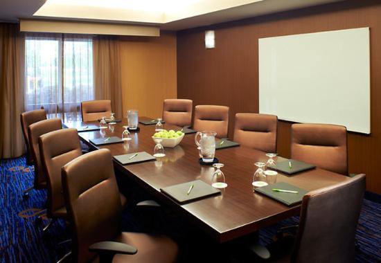 Middleburg Heights, OH: Boardroom