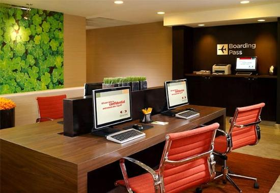 Brentwood, TN: Business Center & Boarding Pass Station