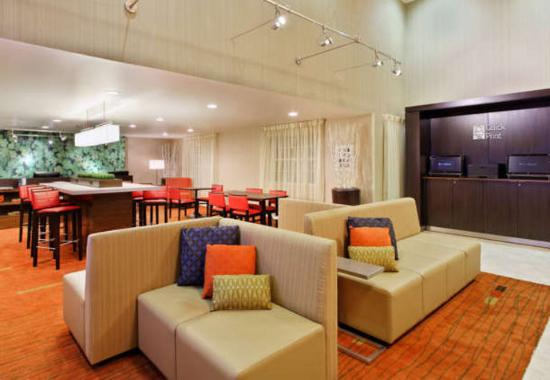 Atenas, GA: Lobby Seating Area