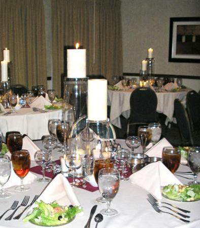 Salina, KS: Banquet Set-up