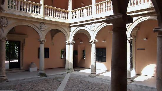 Ayuntamiento de Almansa: View of Interior Cloisters