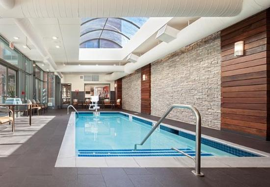 Brookline, MA: Indoor Pool
