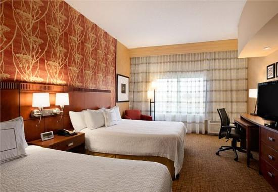 Junction City, KS: Queen/Queen Guest Room