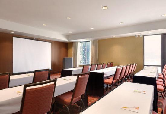 Junction City, KS: Meeting Room – Classroom Setup