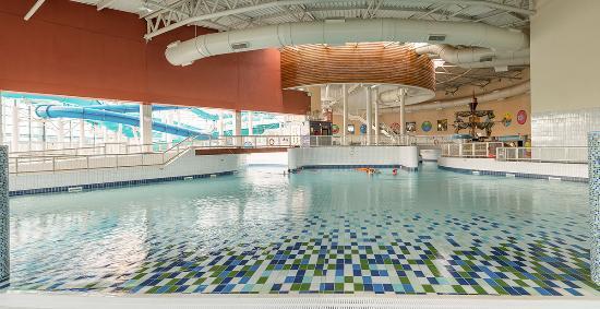 AquaZone: Wave Pool