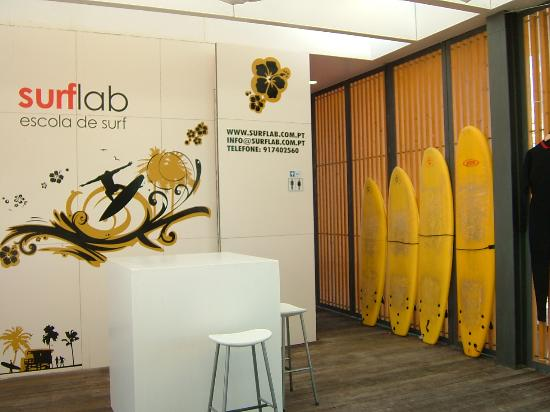 ‪SurfLab Surf School‬