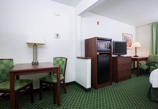 Vacaville, Kalifornia: Executive King Suite Living Area