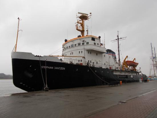 Eisbrecher Stephan Jantzen im Stadthafen Rostock Foto