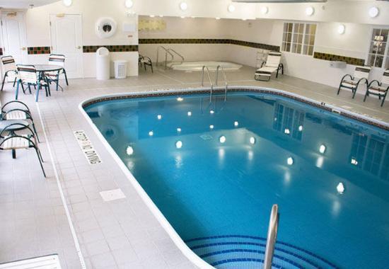 Manchester, كونيكتيكت: Indoor Pool & Whirlpool