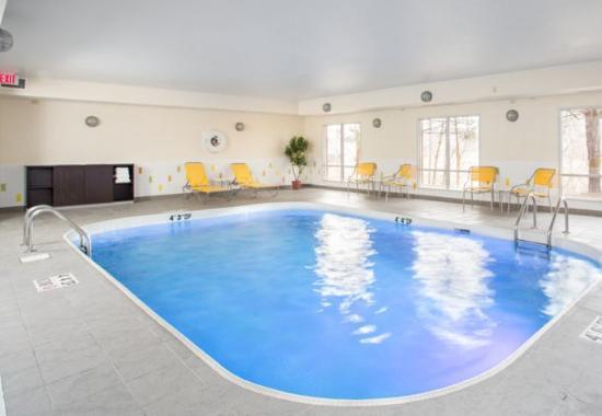 Ashland, KY: Indoor Pool & Whirlpool