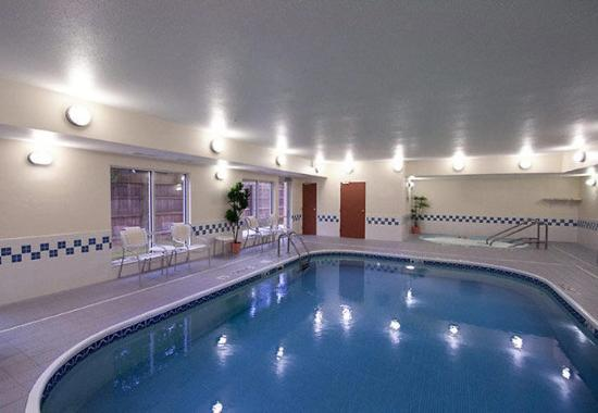 Stevens Point, WI: Indoor Pool & Whirlpool