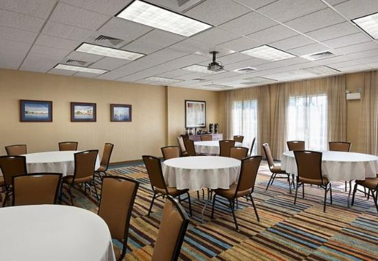 Elizabeth City, Carolina do Norte: McPherson Meeting Room – Banquet Setup
