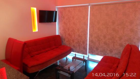 Neptune Hotel Apts.: seating room area