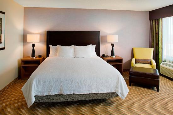 Windsor, CT: King Bedroom