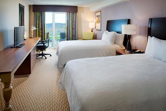 Windsor, CT: Double Queen Room With Balcony