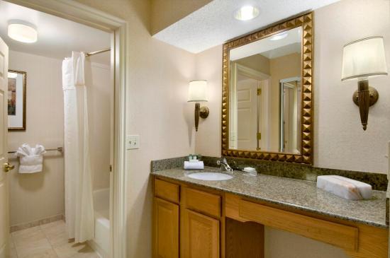 Midvale, UT: Guest Suite Vanity Area