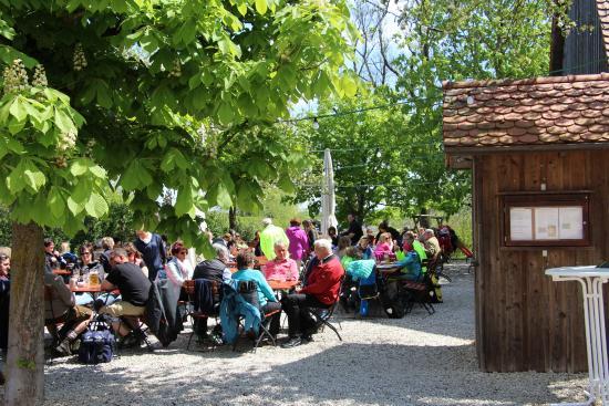 Gundelfingen, Deutschland: Rast im Biergarten.