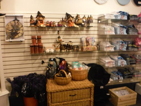 Salem Witch Museum: Exit through the gift shop.