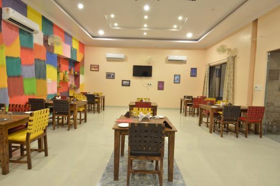 OTC -pool -restaurant -dj - Picture of OTC Out of The City, Jodhpur