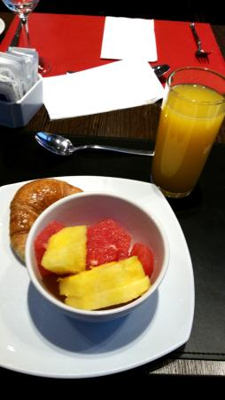 Hotel Tryp Buenos Aires: Breakfast