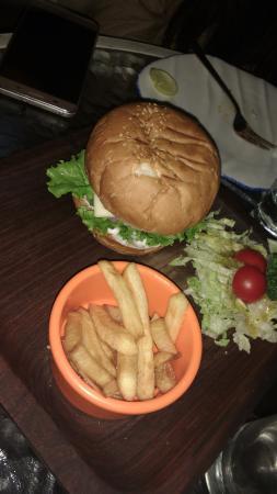 Market Cafe: veg burger