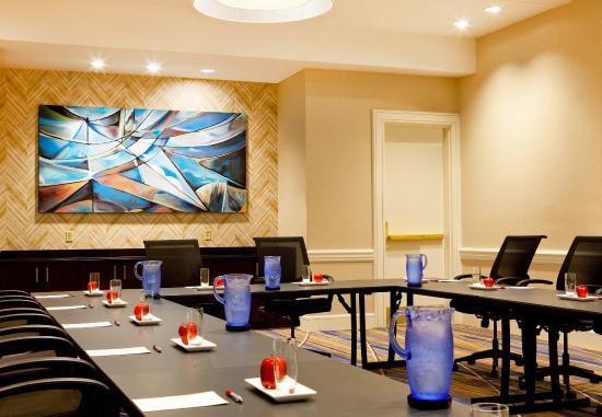 Burlington, MA: Imagine Meeting Room