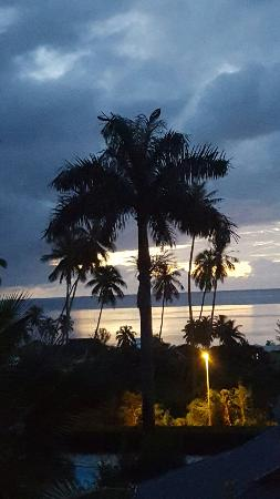 Haapiti, Polinesia Francesa: Great sunset view