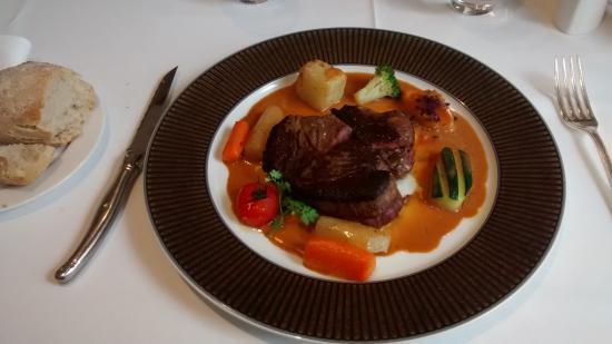 Auberge Bienvenue : Viande rouge et petits légumes (la quantité et le goût sont là)