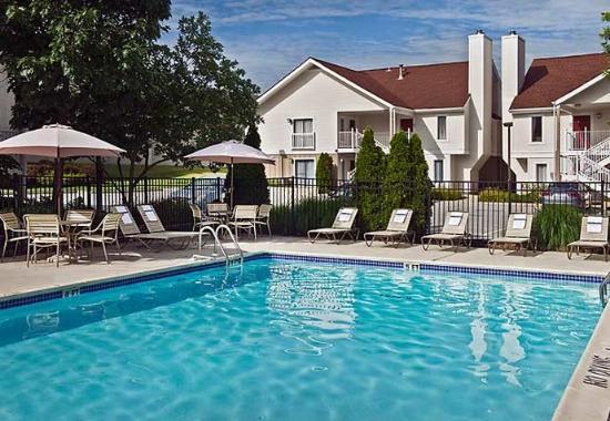 Berwyn, Pensilvanya: Outdoor Pool