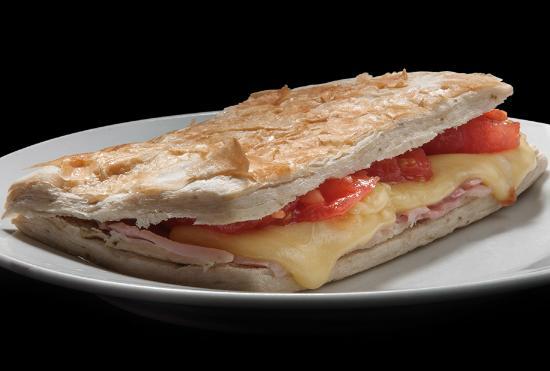 Al Fougasa Y De JamónQueso Tomate Sandwich HornoFotografía lFK1JcT
