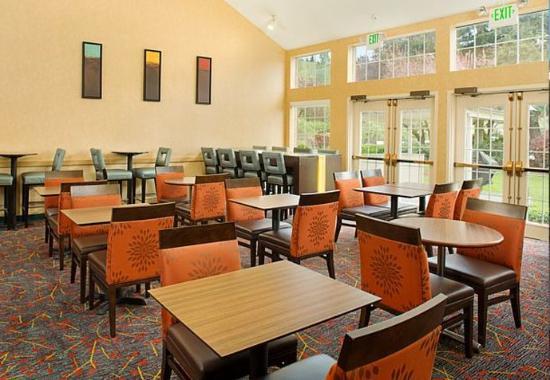 Bothell, WA: Lobby Sitting & Dining Area