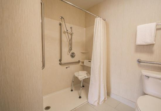 Independence, MO: Accessible Bathroom