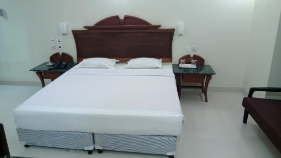 Strand Hotel : Guestroom