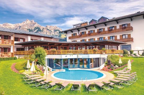 Gut Wenghof - Family Resort Werfenweng: Gut Wenghof Sommeransicht