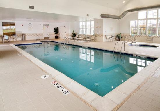 O'Fallon, MO: Indoor Lap Pool & Whirlpool