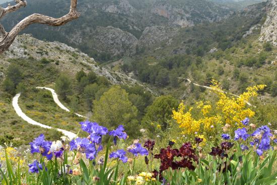 Tarbena, Hiszpania: over de rand van het terras