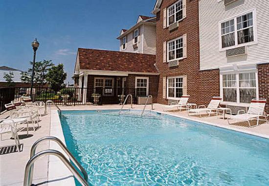 Saint Charles, Миссури: Outdoor Pool