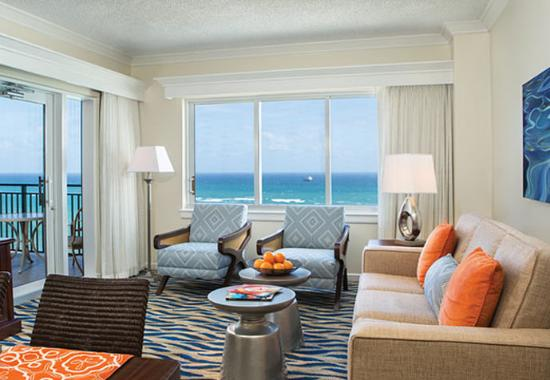 Marriott's BeachPlace Towers: Villa Living Room