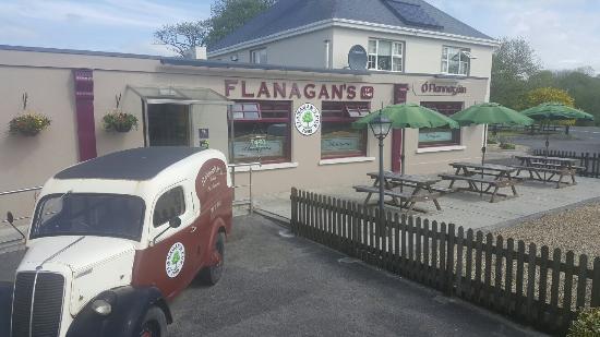 Claremorris, Irlanda: Flanagan's Pub