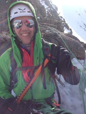 Peak Mountaineering Day Tours: Winter Climbing
