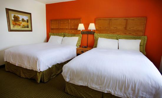 AmericInn Lodge & Suites Rapid City: Whirlpoolsuite