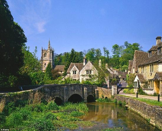 Chippenham, UK: Castle Combe, 2 miles away
