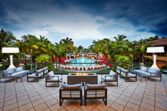 PGA National Resort and Spa: iDeck for dining and cocktails with a view